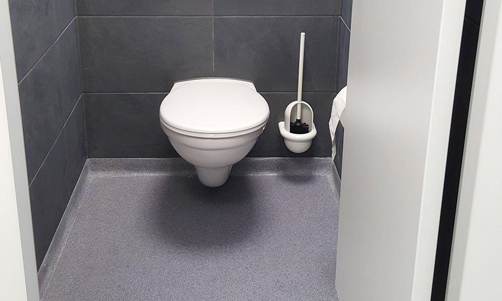 Toilettenräume in einer Schule